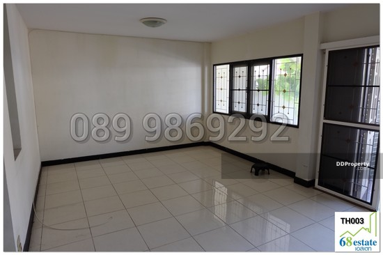 3 Bedroom Townhouse in Sam Phran, Nakhon Pathom  49766024