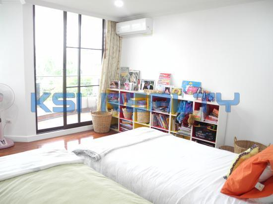 3 Bedroom Condo in Watthana, Bangkok  55820621