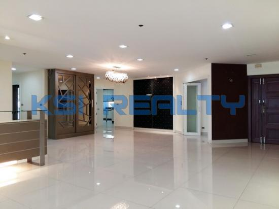3 Bedroom Condo in Watthana, Bangkok  60080798