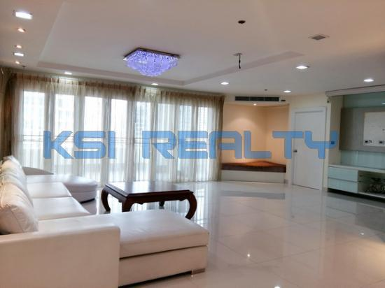 3 Bedroom Condo in Watthana, Bangkok  60080799
