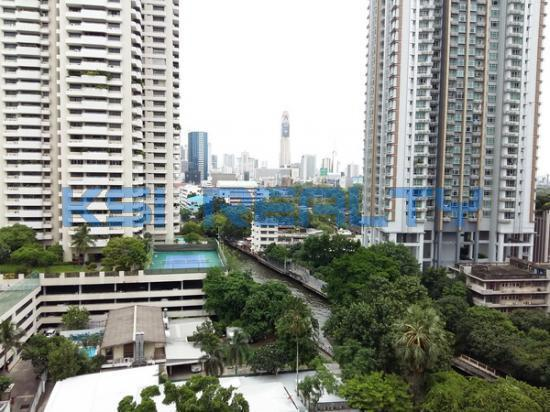 3 Bedroom Condo in Watthana, Bangkok  60080805