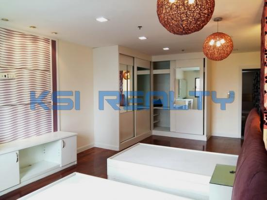 3 Bedroom Condo in Watthana, Bangkok  60080833