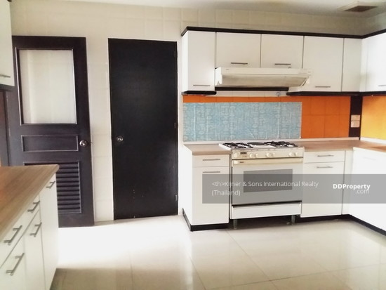 3 Bedroom Condo in Khlong Toei, Bangkok  63175715