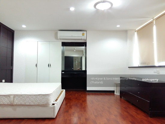3 Bedroom Condo in Khlong Toei, Bangkok  63175718