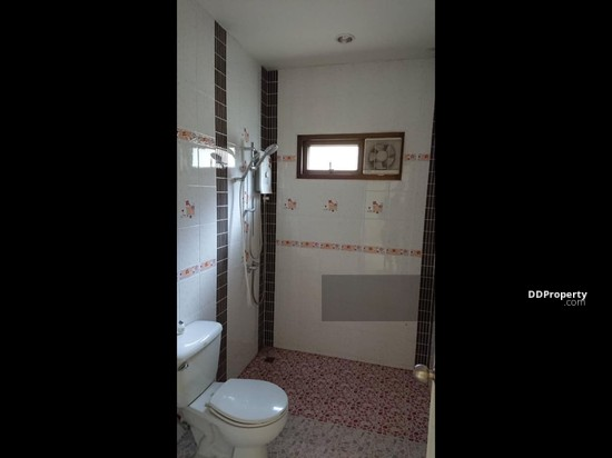 3 Bedroom Detached House in ,   65907739