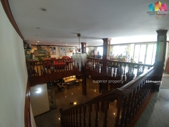 5 Bedroom Townhouse in Watthana, Bangkok  68383767