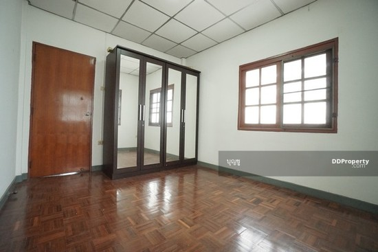 3 Bedroom Townhouse in Bang Bua Thong, Nonthaburi  70695393