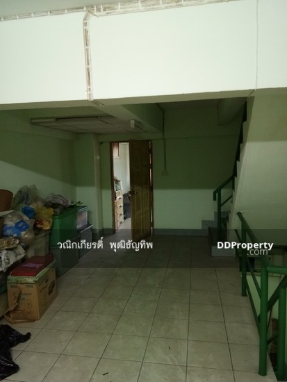 Shophouse in Khlong Sam Wa, Bangkok  71067299
