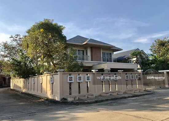 5 Bedroom Detached House in Thawi Watthana, Bangkok  76010553