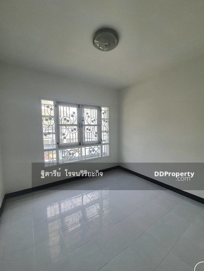 4 Bedroom Detached House in Bang Yai, Nonthaburi  76340329