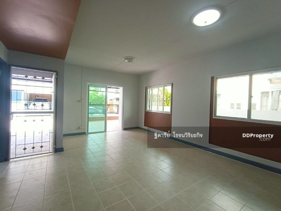 3 Bedroom Townhouse in Khlong Luang, Pathum Thani  76344630