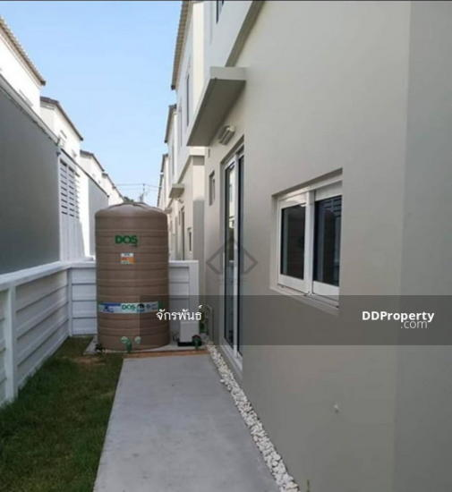 3 Bedroom Townhouse in ,   80679340