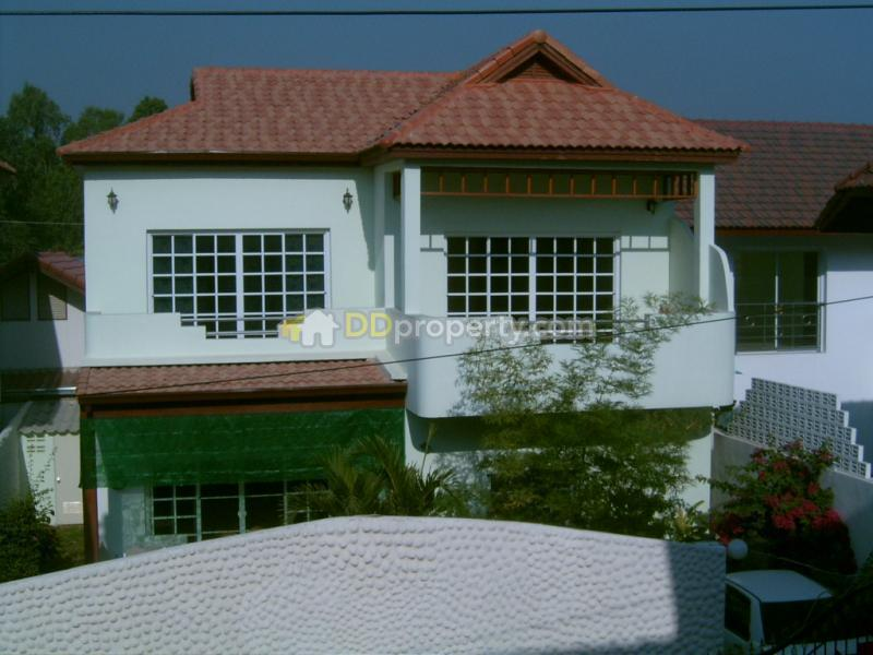 2 Storey House With Private Swimming Pool At South Pattaya For Rent Sale