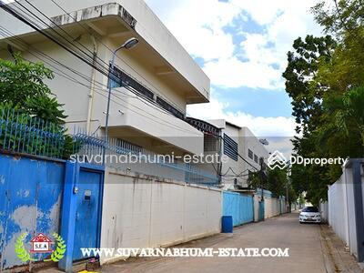 ขาย - อาคารสำนักงาน 999 ตารางวา พร้อมบ้านพัก ถนนเกษตร-นวมินทร์