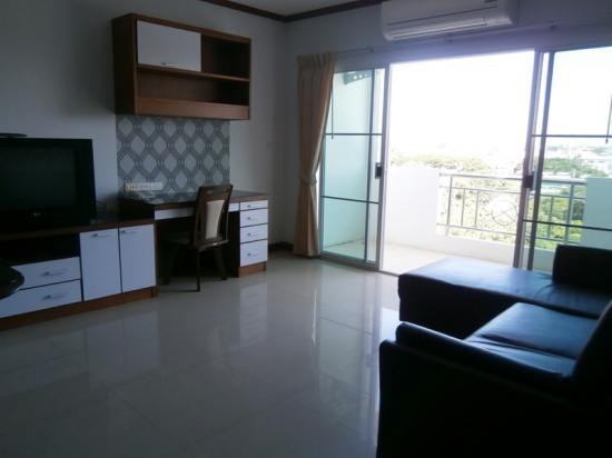 Fully Furnished Equipped 1 Bedroom Apartment Near Nimmanhaemin Sri Phum Muang Chiang Mai
