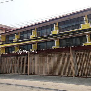 ขาย - C9MG0195 ทาวน์โฮมขาย 3 ชั้น  4 ห้องนอน 3 ห้องน้ำ  3. 8 ล้านบาท ใกล้ ตลาดศิริวัฒนา