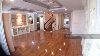 ให้เช่า - Penthouse at Vista การ์เด้นบีทีเอสพระโขนง 4 เตียง / 5 อาบน้ำ