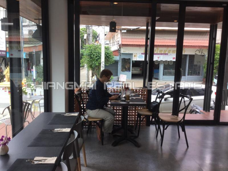 S0509 Guest House and Coffee Shop For Sale , Close to Thaphae Gate