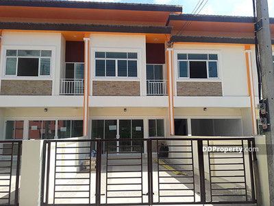 For Sale - C8MG0245 - A detached townhome with 2 bedrooms and 3 toilets  - A detached townhome in  26. 5  sq. wah - The price is 1. 99 million bath