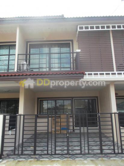 5a1mg0201 Two Storey Townhouse For Rent With 2 Bedrooms And 3 Bathrooms Ban Du Muang Chiang