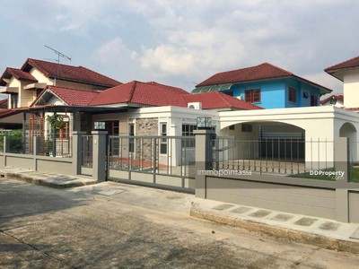 For Rent - New meets old, traditon meets modernity Renovated lovely single house in Choho