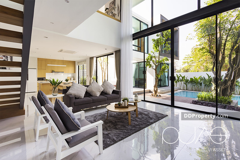 Modern Loft Style Luxury House for sale Chiangmai Hangdong with swimming  pool at Baan Wang Tan only 15 MB
