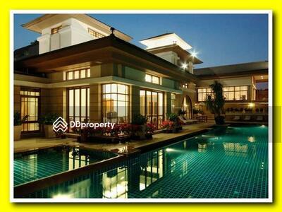 ให้เช่า - 4 Bed Single House in Compound For Rent in Phra Khanong BR7958SH