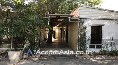 For Rent - House for rent in Sathorn near MRT Lumphini 161 sqw. 8 bed