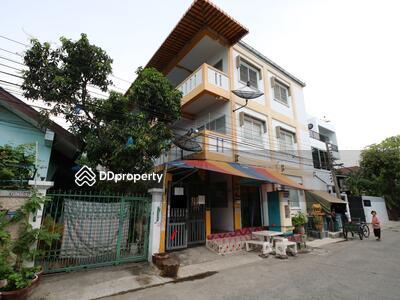 ขาย - ขาย อพาร์ทเม้นท์ ซอยอยู่สุข ถนนศรีนครินทร์ เทศบาลบางเมืองใหม่  ที่ดิน 50ตรว. 3ชั้น 15 ห้อง ราคา 6. 5 ล้าน