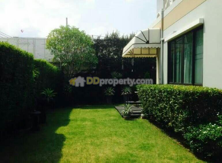 Detached House in Muang Pathum Thani, Pathum Thani #60217332