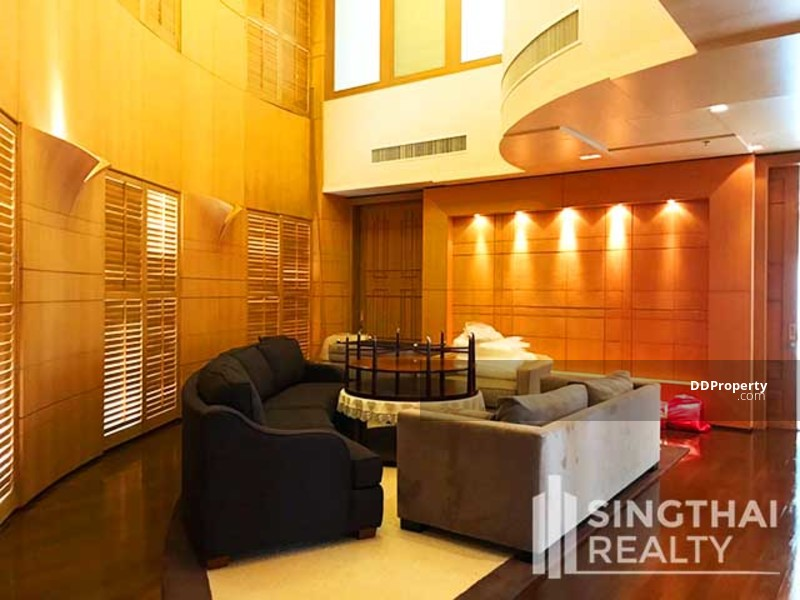 Sailom Suite #61390540