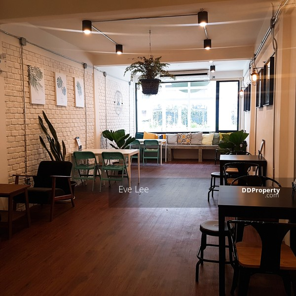 Office / tattoo shop / art studio space for rent (on the 2nd floor at  Sukhumvit Main rd  **