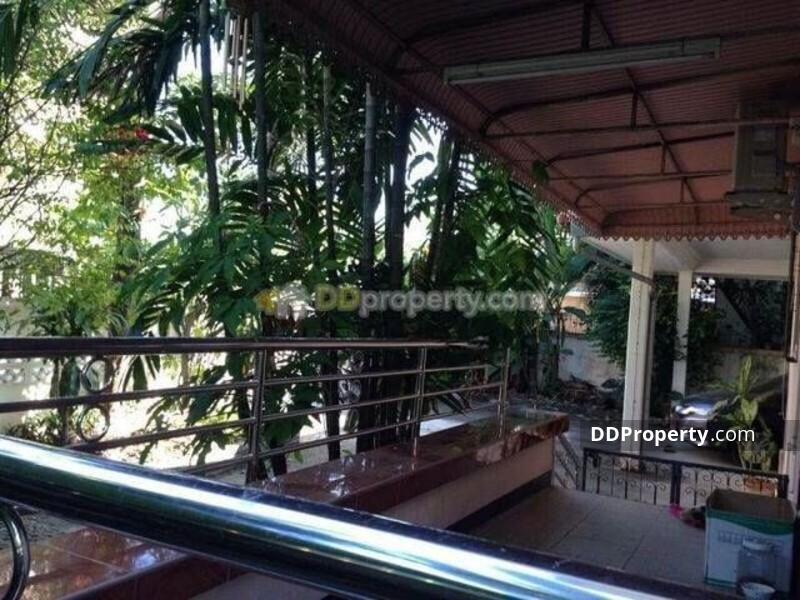 Detached House in Lat Phrao, Bangkok #64831206