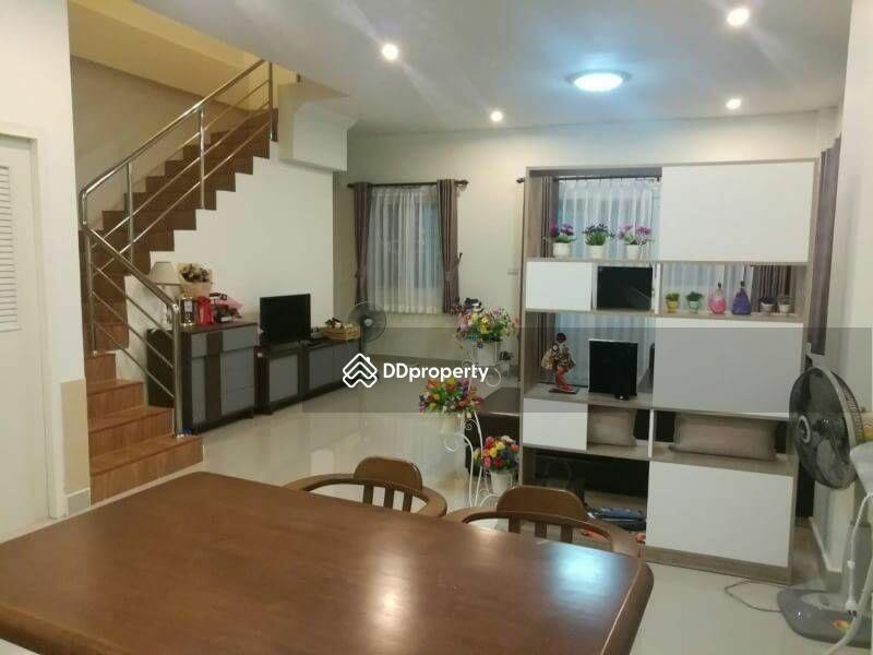 3 Bedroom Townhouse in Si Racha, Chon Buri #65913854