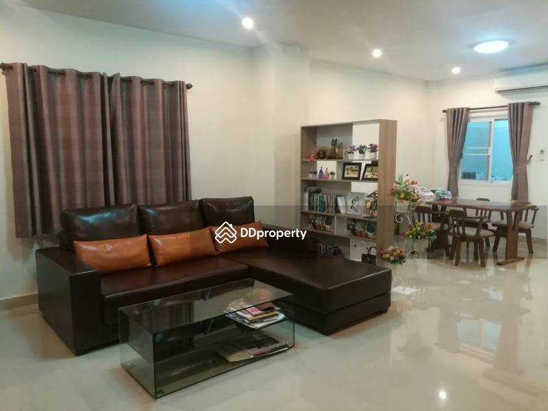 3 Bedroom Townhouse in Si Racha, Chon Buri #65913856