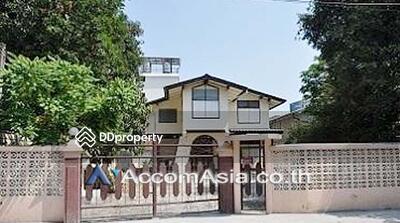 ให้เช่า - house 4 Bedroom for rent in Phaholyothin Bangkok VictoryMonument BTS AA15316