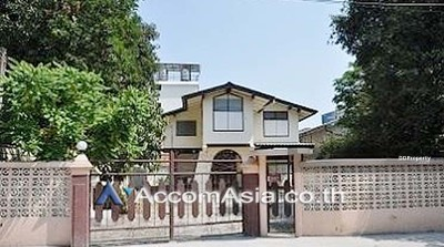 For Rent - house 4 Bedroom for rent in Phaholyothin Bangkok VictoryMonument BTS AA15316