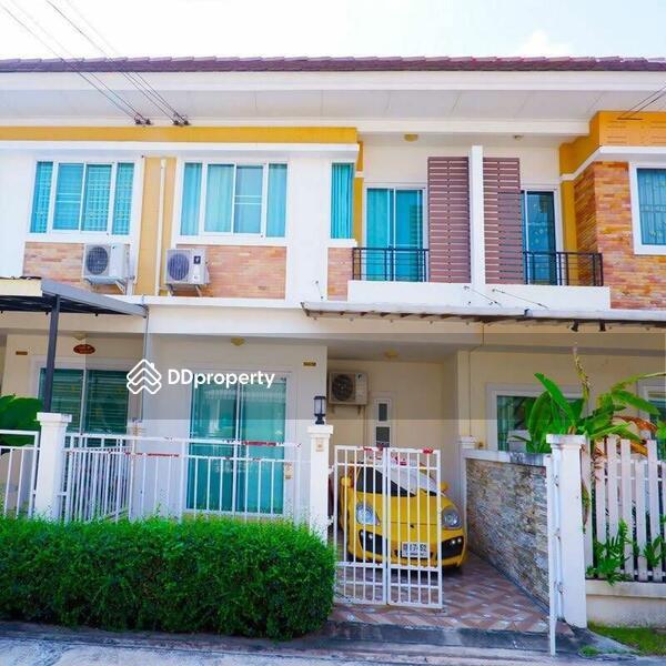 Townhouse in Si Racha, Chon Buri #66038050