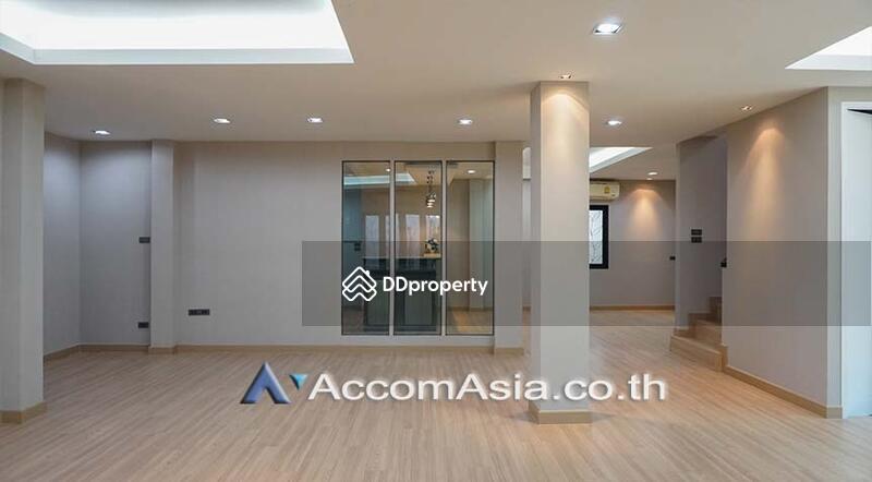 house 3 Bedroom for sale in Sukhumvit Bangkok Phrakhanong BTS AA23198 #75202352