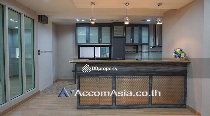 house 3 Bedroom for sale in Sukhumvit Bangkok Phrakhanong BTS AA23198 #75202356