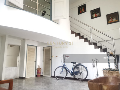 For Sale - Town Home for Sale! Corner House with big garden size 40 sqm. at Soi Arisamphan 2/04-TH-62057