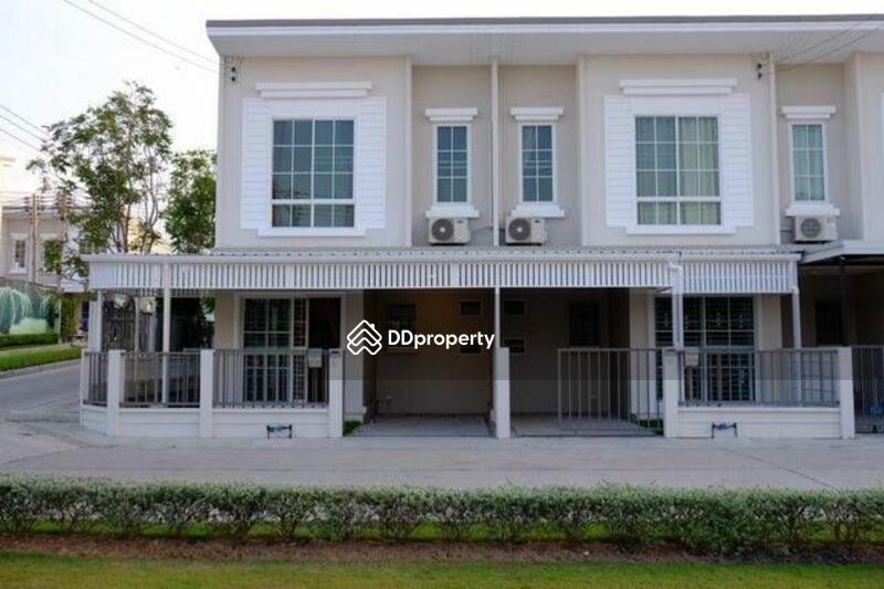 Townhouse in Si Racha, Chon Buri #67377422