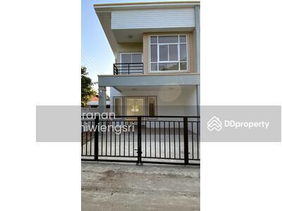 For Sale - บ้านแฝด 2 ห้องนอน 3 ห้องน้ำ ใจกลางเมือง