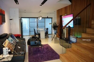 ให้เช่า - Luxury 4 Bed Townhouses for Rent on Soi Khao Talo - Near Sukhumvit