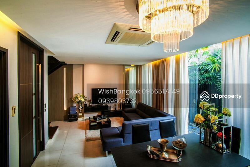 Luxury Townhouse for sale with tenant in Ekkamai ขาย ทาวน์เฮ้าส์หรู ย่าน เอกมัย พร้อมผู้เช่า #71076556