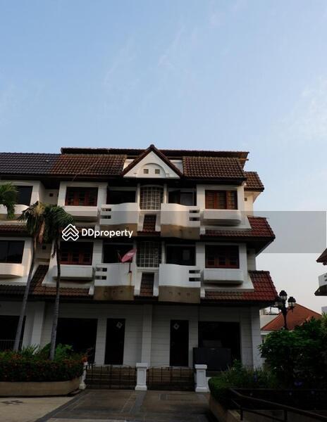 Bangkok Town House Sukhumvit BTS Phra Khanong BRE5358 #71821964