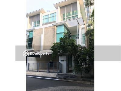 ให้เช่า - 4 Bedroom Townhouse in Chatuchak, Bangkok