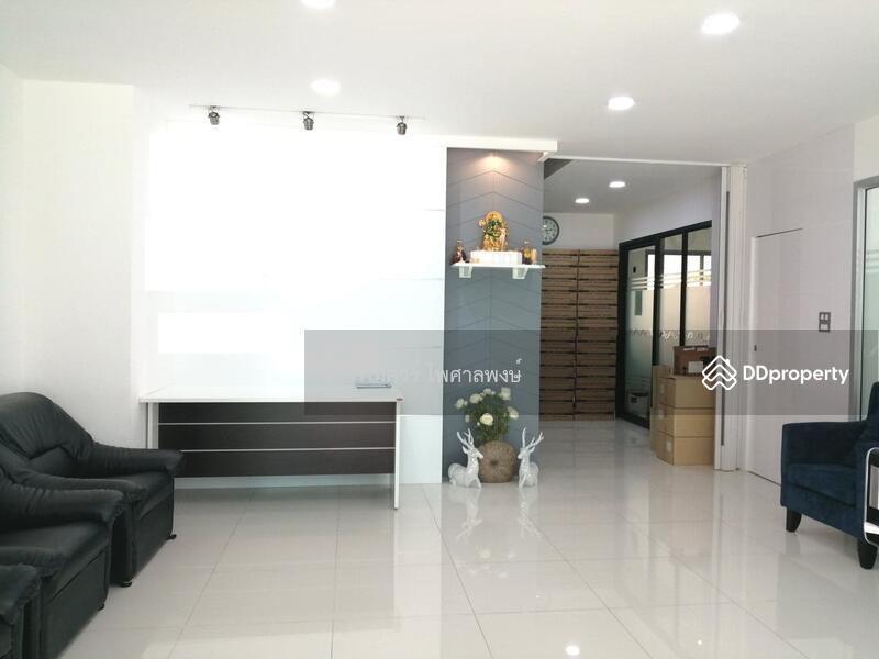 ขาย Home Office  4 ชั้น (เลียบด่วน เอกมัย-รามอินทรา) 44.6 ตร.ว. 417 ตร.ม. ภายในจอดรถได้ 6 คัน
