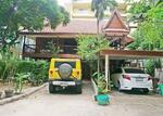 Thai style house in cozy area of Thonglor [HBKK24774
