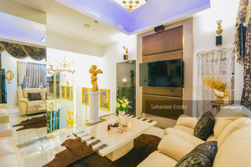 Vista Garden condominium #74476214